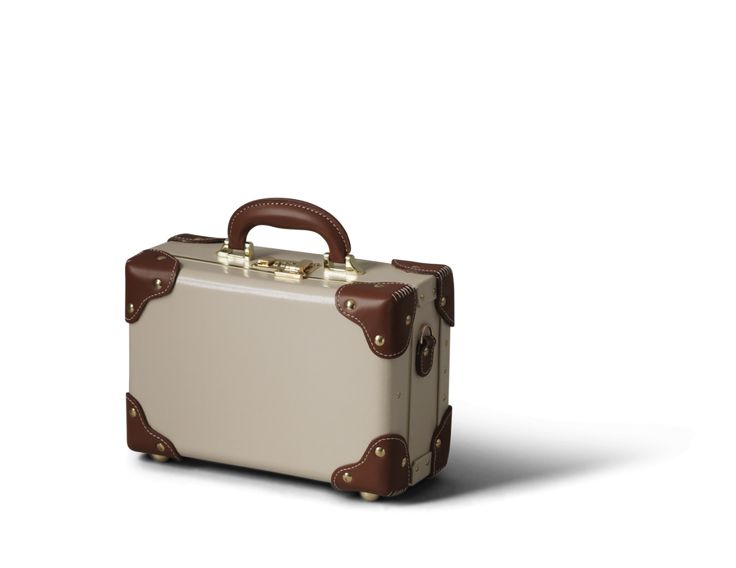 The Diplomat in Cream | Vintage leather vanity case | Steamline Luggage
