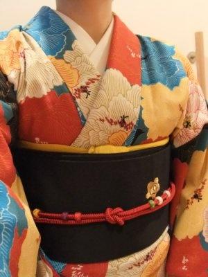 I love this bold floral kimono