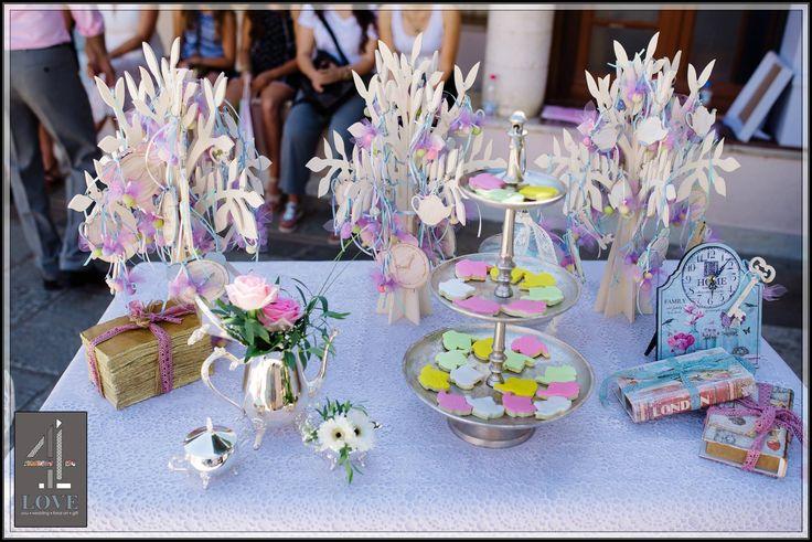 #Welcome_table #βάπτισης με θέμα την #Αλίκη_στη_χώρα_των_θαυμάτων - #Μπομπονιέρες & #Γλυκάκια - Concept Stylist Μάνθα Μάντζιου & Floral Artist Ντίνος Μαβίδης - #4LOVEgr - Photography | Nikos Roussis Roussis Photography