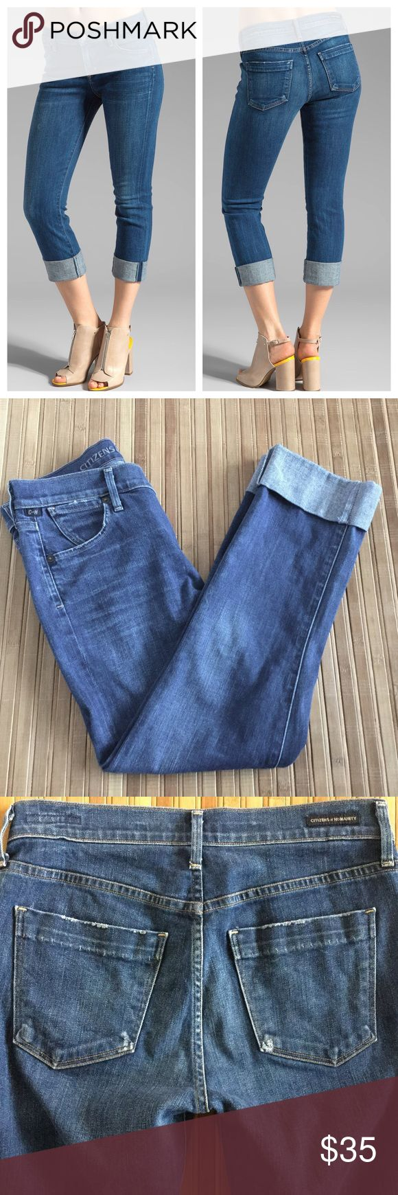 """Citizens of Humanity Dani Crop Straight Leg Jeans Size 26 (XS or 2). Zip fly with button closure, tacked cuffs.  Approximate measurements - 14 1/2"""" across waist band, 23"""" inseam, 14"""" leg opening, 9"""" front rise, 13 1/2"""" back rise.  Cotton/elastane.  Machine wash.  In gently used pre-owned condition.  It has been washed.  No trades. Citizens of Humanity Jeans Ankle & Cropped"""