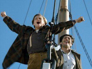 """James Cameron fala sobre produção de """"Titanic""""; assista"""