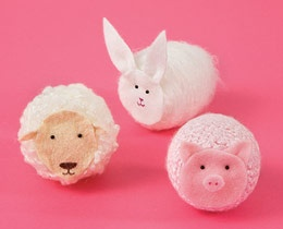 Cute Easter animals made with styrofoam eggs and different yarns. #Sheep #Pig #Bunny