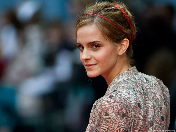 Emma Watson mini biography and beautiful wallpaper