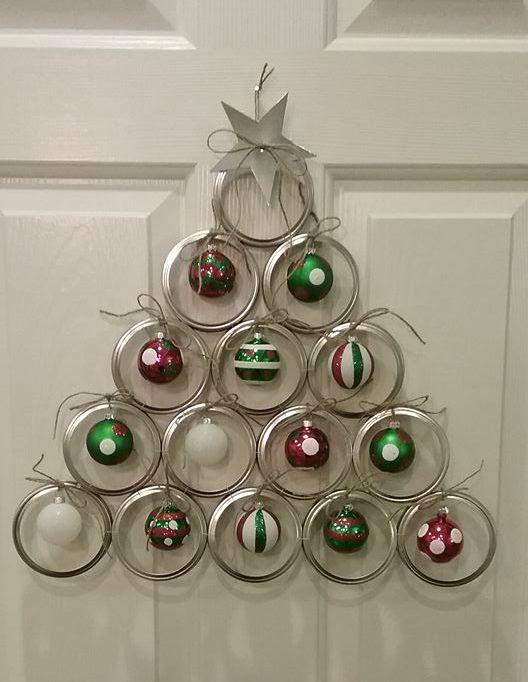 canning-lid-christmas-tree-door-hanger