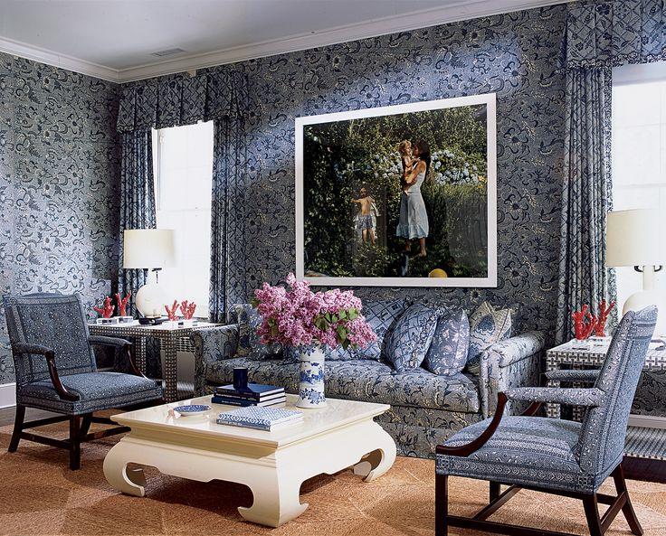 aerin lauder home: Blue Rooms, East Hampton, White Living, Living Rooms, Lauder Hampton, Hampton Houses, Interiors Design, Ac Lauder, Sit Rooms