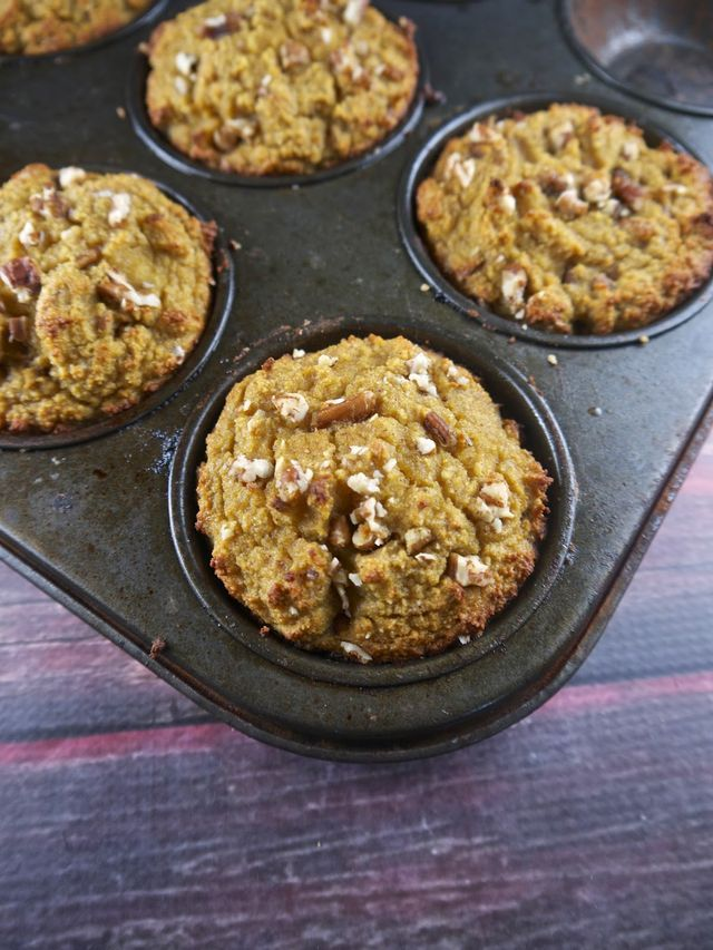 I have the potential to start selling healthy muffins in a local coffee shop, so I've been somewhat busy testing out different recipes. This one is my first attempt at using butternut squash for sweet