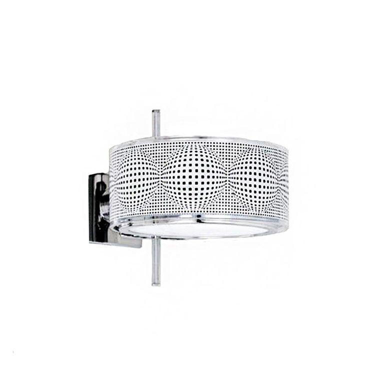 Cini & Nils Componi è una lampada componibile all'infinito grazie alla intercambiabilità dei tre componenti in vetro: anello, lente e disco con differenti finiture e colori. L