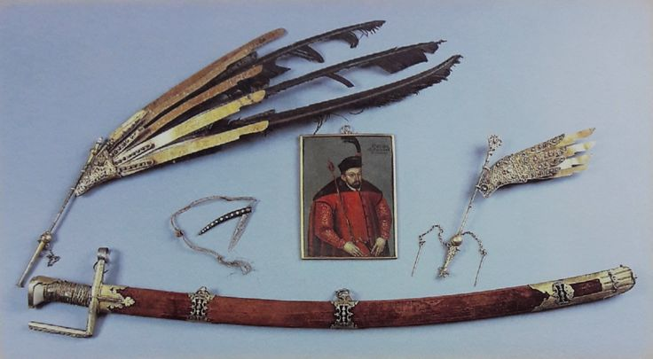 Memorabilia of Stephen Báthory - sabre in Hungarian style, a miniature portrait, a pocket knife and egrets for helmet and hat by Anonymous from Hungary or Poland, 1570s, Muzeum Czartoryskich