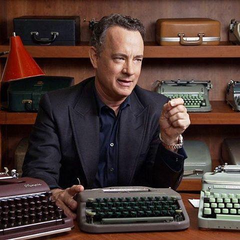 "1,376 Likes, 17 Comments - Tom Hanks | تام هنکس (@tomhanks_fanpagge) on Instagram: ""#تام_هنکس. یه عکس خوشگل از تام و تعدادی از ماشین تایپ های کالکشنش ❤. ◆ دو تا نکته ی جالبم براتون…"""