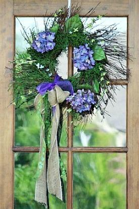 Wreath ideas for your front door front door wreaths burlap
