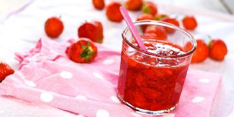 Rørt jordbærsyltetøy - Det beste pålegget som finnes, lager du selv på 3 minutter!