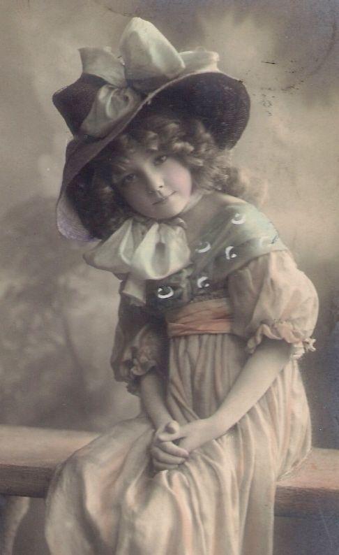 Vintage Images I love her hat