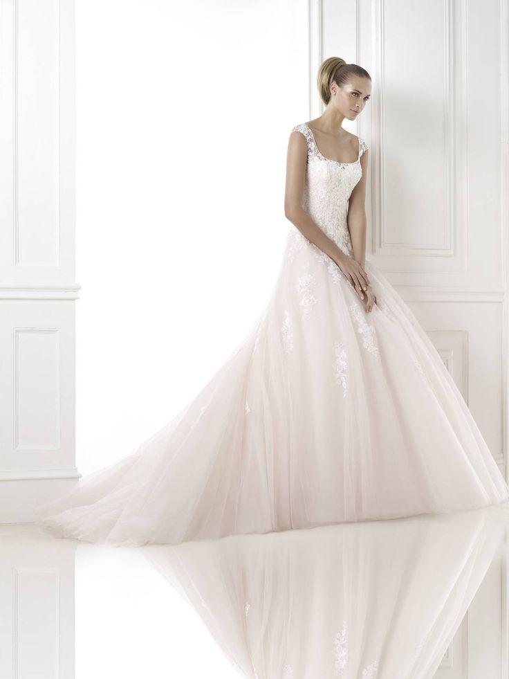 Bia esküvői ruha - La Mariée esküvői ruhaszalon - Pronovias 2015