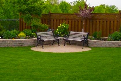Would love these raised planters along the fence in my yard.