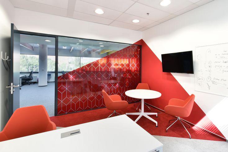 Techona office   monom - interior, red meeting room