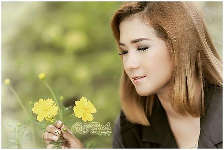 Yuk hunting suka2 bersama kami. Invite 7694691F for order :-) #hunting #photography #model #suka2 #cantik #foto #girl #beauty #cute #seksi #glamour #jember #DnA #dnaphotography #style #hijab #fotografi #like #cute #fun #fotohunting #modelling #jember #photoshoot #prewedding #ootd #swag #jembercantik #jemberhits #jembercetar http://tipsrazzi.com/ipost/1505455624502477669/?code=BTkc-oLlYNl