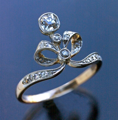 Belle Epoque Ring - gold & diamond Gorgeous sparklies via blossomgraphicdesign.com on Pinterest
