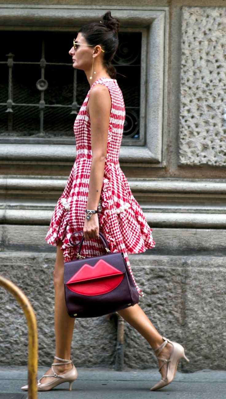 Street Style: The Best Outfits from Milan Fashion Week 2015 - Giovanna Battaglia   @StyleCaster