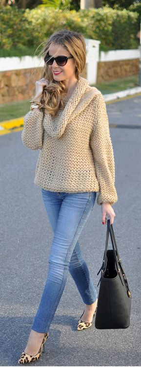 Cozy cowl neck beige sweater paired with skinny jeans and cheetah pumps.