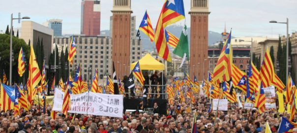 80,000 people defend Catalan institutions at rally against Spain's use of the courts to halt independence