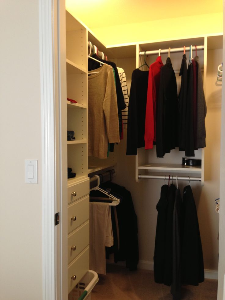 15 best small home storage spaces images on pinterest for Walk in closet designs for small spaces