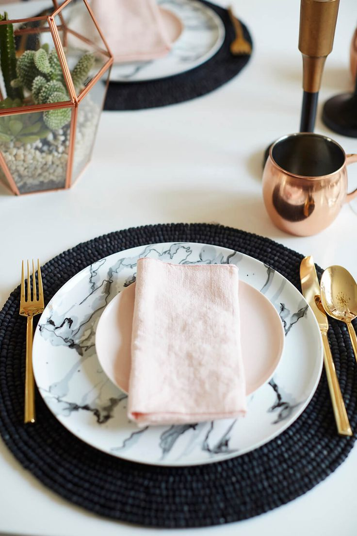 Dining Table Dinnerware Combos (Emily Henderson)