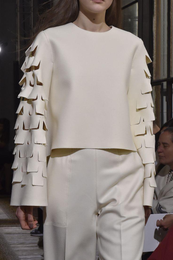 Minimalist tailoring with textured sleeve detail; runway fashion details // Maison Rabih Kayrouz A/W 2015