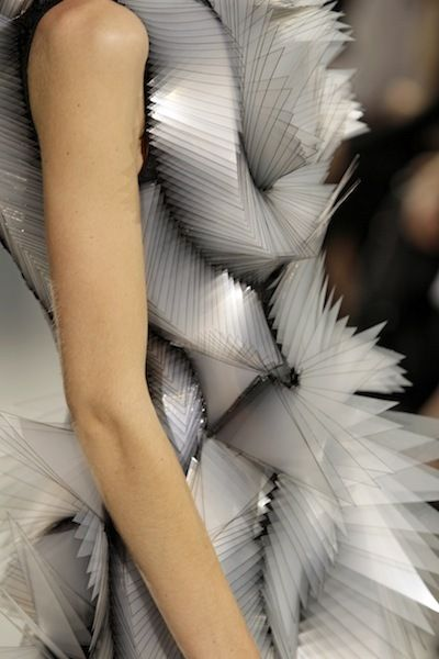 Iris van Herpen - Just amazing - looks like the model is wearing a cubist sketch!