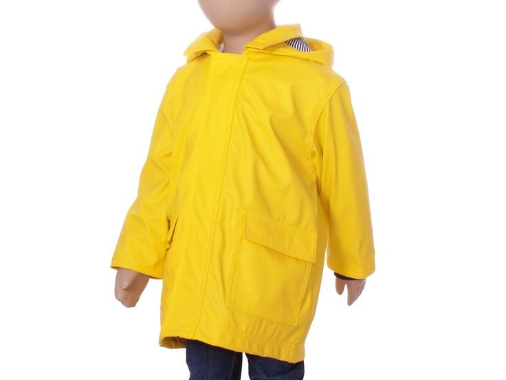 Impermeable amarillo de Petit Bateau - http://elarmariodecloe.com/nueva-temporada/marcas-moda-infantil/petit-bateau-moda-infantil/chubasquero-amarillo-petit-bateau.html