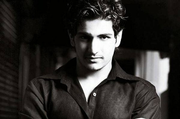 Rajat Tokas is an Indian actor who started his career with Sai Baba. He also worked in Dharati Ka Veer Yodha Prithviraj Chauhan and he was widely loved by the audience for his work. Net Worth The net worth of Rajat Tokas is not known. Income Source The major source of income for Rajat is the work he does in the TV industry. He is really popular among his Indian audience. Real Name: Rajat Tokas is the real name of this talented actor. Date of Birth: 19 July 1991 Age: 24 Years Height/Weigh...