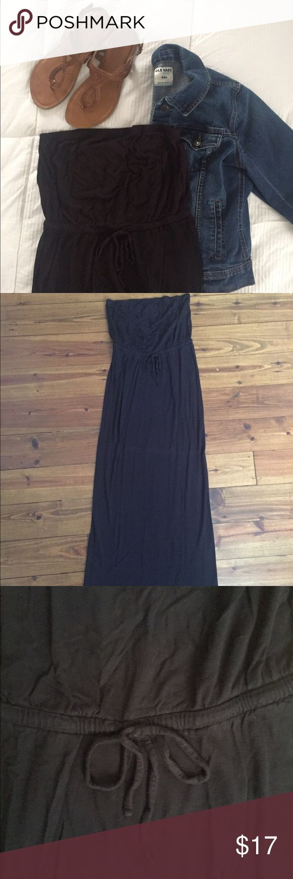 "Old Navy Black Strapless Maxi Dress 👗 Old Navy Black Strapless Maxi Dress with Tied Waist. I'm 5'7"" and the length is perfect. Shoes and Jacket not included. Old Navy Dresses Maxi"