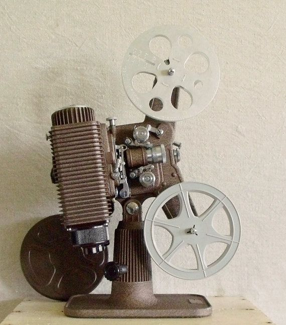Vintage 8mm Film Projector in Case Family Movie Night