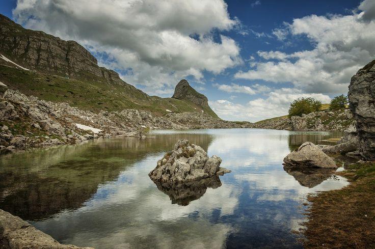 Valovito jezero (Valovito lake) by Damir Krnic on 500px