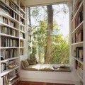 本はお好きですか?部屋一面に本が収納され、そこでお気に入りの一冊を美味しい珈琲を飲みながらゆっくり読めたらいいと思いませんか?今回は本好きにはたまならいお部屋をご紹介します。