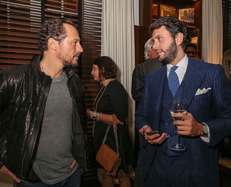 thebespokedudes: A moment from Wednesdays @tods dinner when I spoke about tailors with Mr. @stefano.accorsi Glad to realize that he is a bespoke tailoring enthusiast as well and that he has his suits made by a famous tailor from Rome #sartoria #thebespokedudes #jkplaceroma
