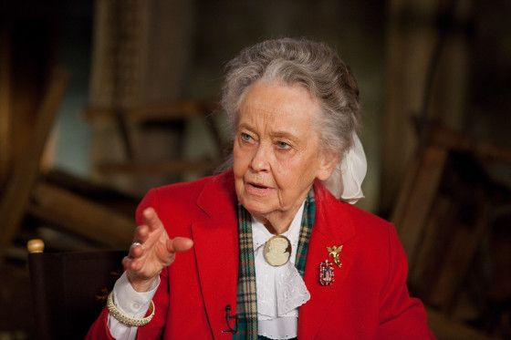 Vera Farmiga and Lorraine Warren Talk THE CONJURING | Collider