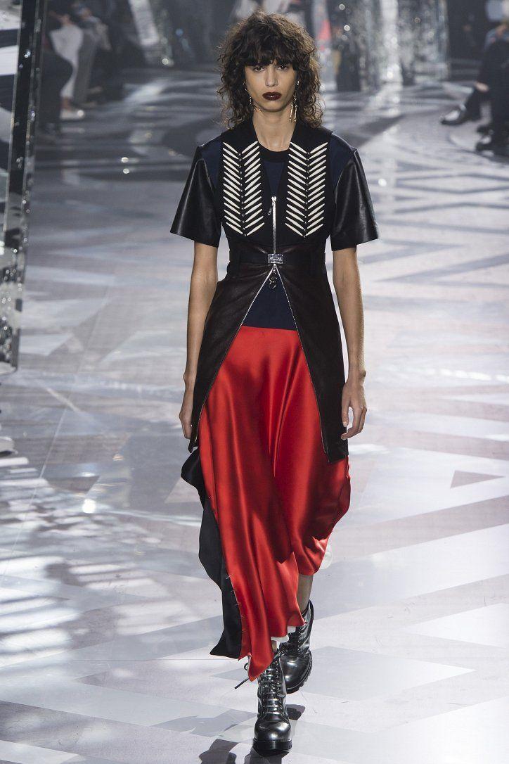 PFW Fall 2016: Louis Vuitton