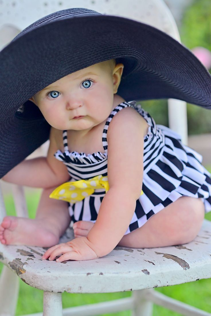 .TOO much on the eyes, love the hat idea for a little one!