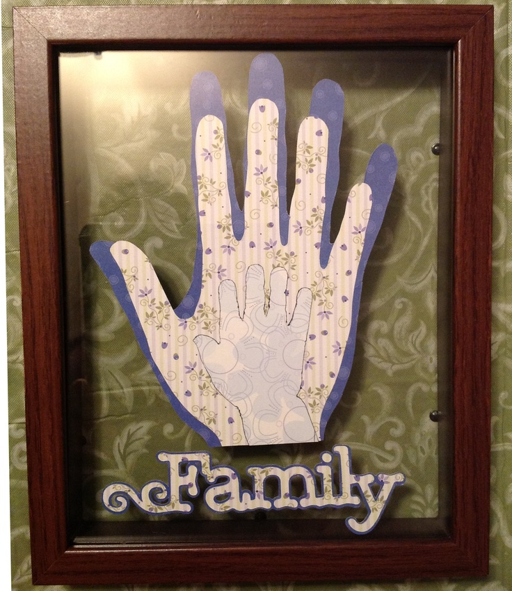 I traced our handprints and used the Cricut to make great personalized artwork!Crafts Ideas, Fun Ideas, Diy Decor, Art Projects, Personalized Artworks