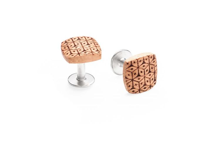 Sole cufflinks SS'2017 You like an absolute perfection and you take great care with everything you do. You are precise and reliable but also uncompromising. You are used to achieving your goals, you never give up. Is your style perfect down to the last detail?