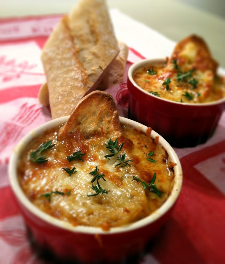 Receta de sopa de cebolla http://www.cocinaland.com/recipe-items/sopa-de-cebolla/