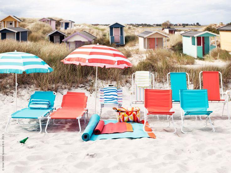 En skön dag på stranden med HÅMÖ solsängar och strandstolar