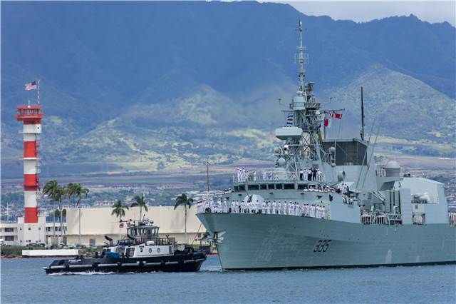 Royal Canadian Navy Frigate HMCS Calgary (FFH 335) arrived in Pearl Harbor for RIMPAC Exercise, on June 25, 2014.