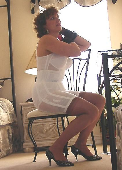Old Fashioned Lovely Milf Gets