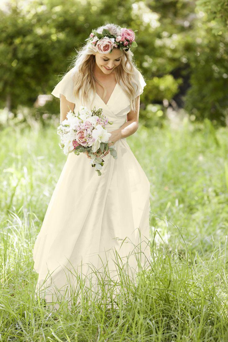 Svadba pod holým nebom: Odborníčky radia, ako si ju nepokaziť  S príchodom prvých teplých dní sa svadobná hostina častejšie presúva do exteriérov. Na čo všetko myslieť?