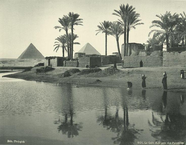 Velhas imagens do Egito: por volta da década de 1870, o Kafr do Cairo perto das pirâmides. The New York Public Library Digital Gallery.