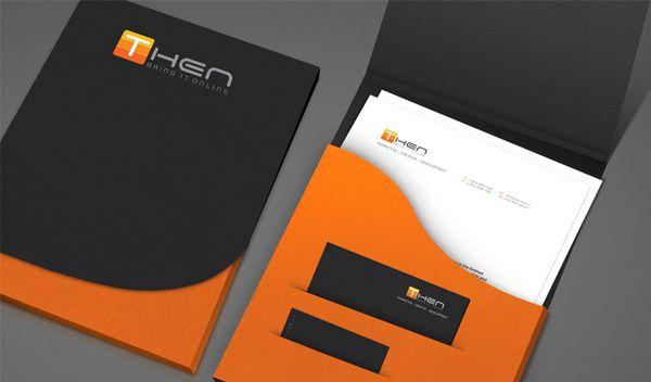 Me gusta esa combinación de colores: blanco, negro, gris y naranja