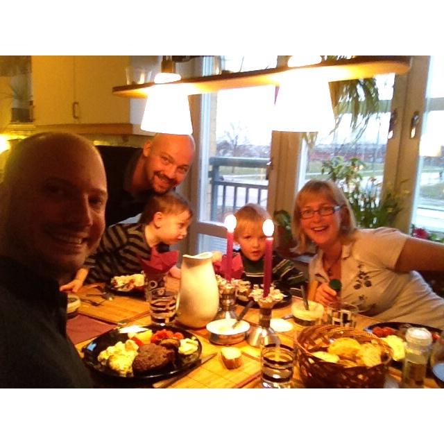 Middag med familjen stark
