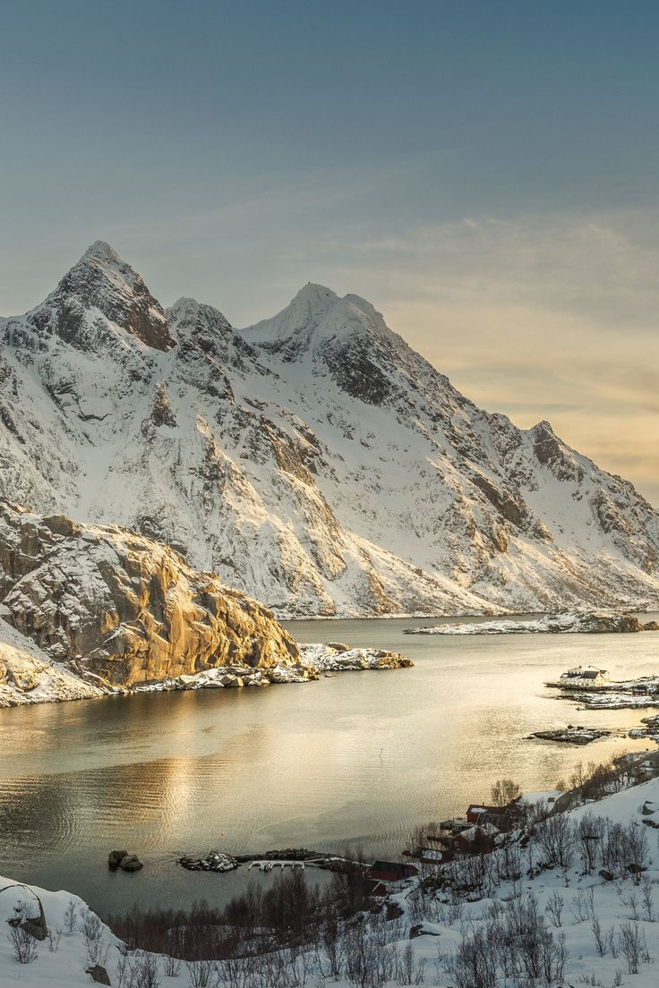 Afternoon Sun Highlights - Lofoten