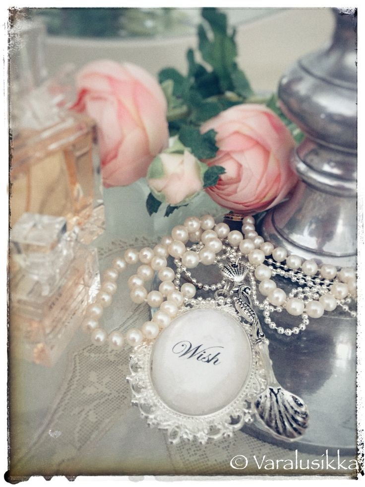 Wishing you a beautiful day! Say it in the language of Varalusikka spoon jewellery.